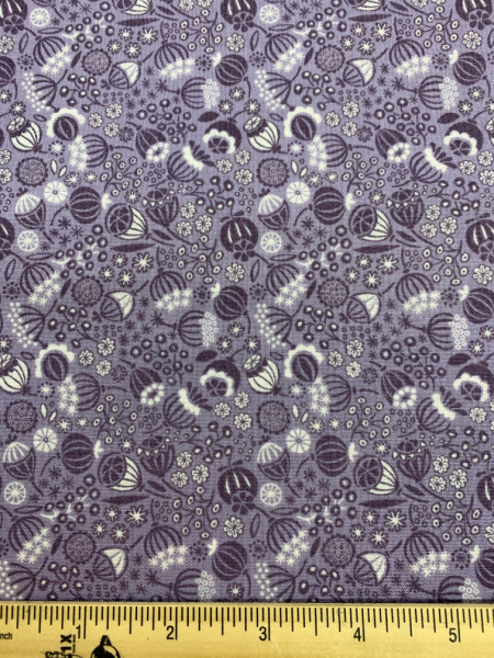 Seed heads in Lavender quilting fabric from Lewis and Irene