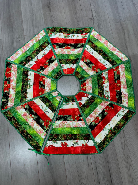 Quilt as you go tree skirt Day quilting Workshop