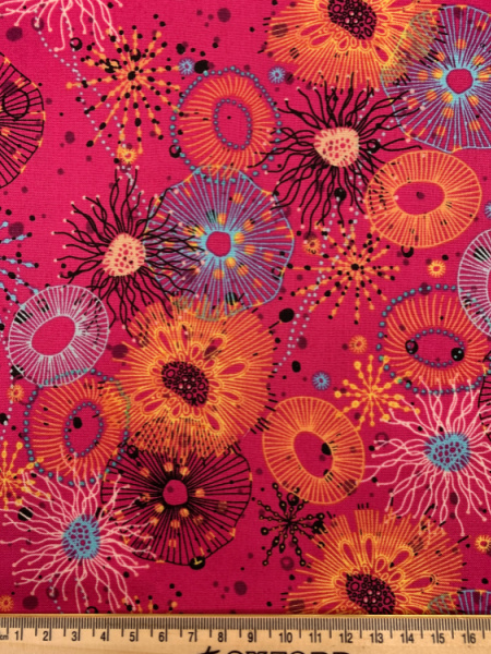 Reef Main in Pink Quilting Fabric from Reef by Beth Studley for Makower